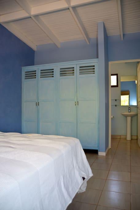 Master bedroom & bath with queen pillow top mattress & AC