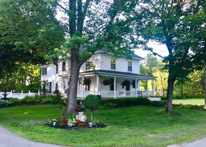 Maine Lakehouse Retreat