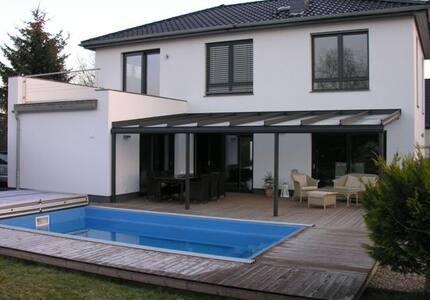 Stadtvilla mit Kamin, Pool, ....... - Μαγδεβούργο - Σπίτι