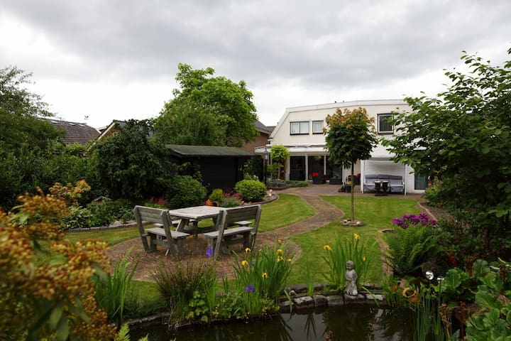 6 Rooms in a Comfortable House - Nijverdal - Casa