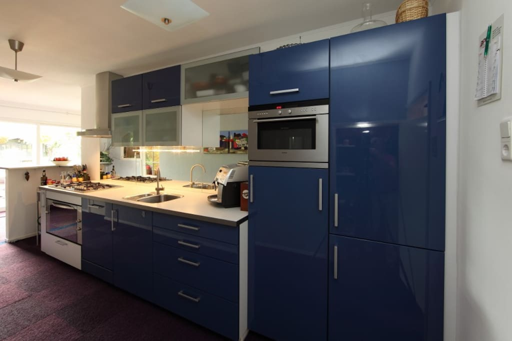 Modern equiped kitchen with dishwasher (where i also give cooking-workshops)