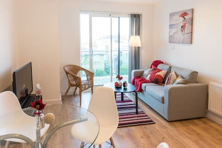 Apex Luxury Apartment I - Enfield - Wohnung