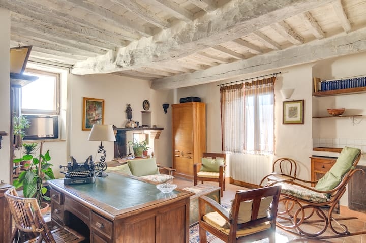 Charming ancient house with view garden