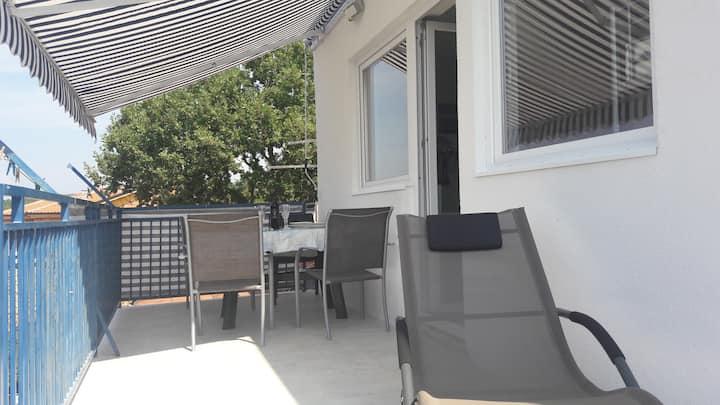 Studio s teraso za 4 osebe