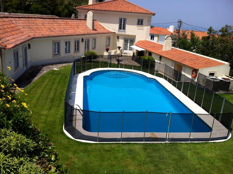 child safe pool fence