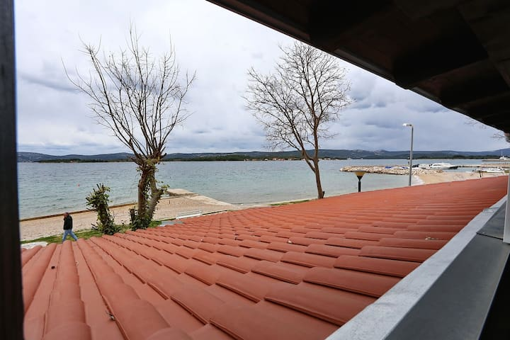 Zara Apartment 1B,  FIRST ROW SEA VIEW - Turanj - Byt