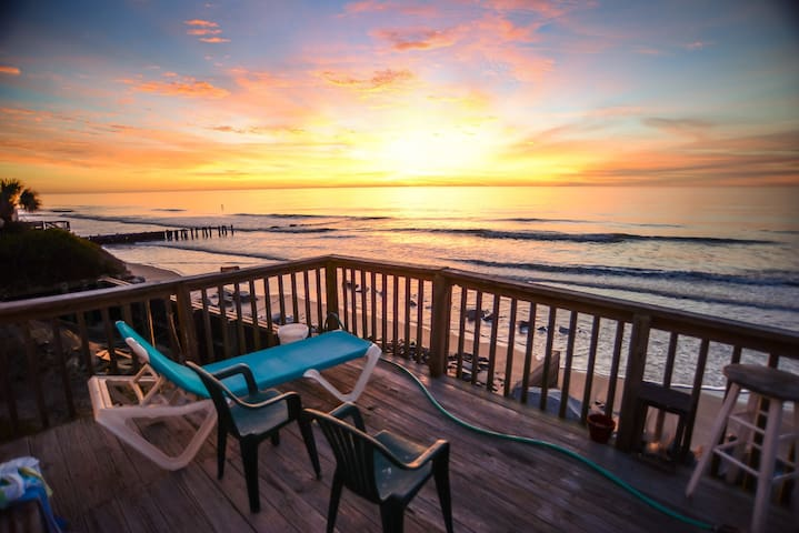 Oceanfront Room on Folly Beach - Folly Beach - Dom