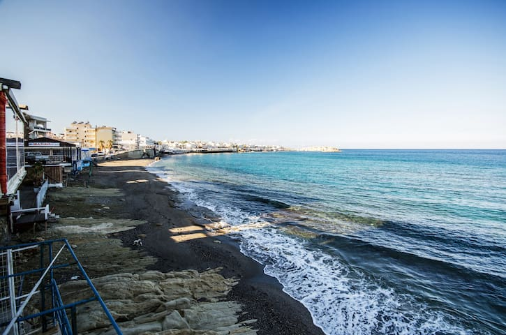 SUMMER  APARTMENT 20METERS TO SEA - Limenas Chersonisou