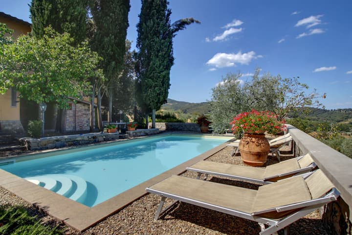 Villa Stolli - Holiday villa with swimming pool in Chianti, Tuscany.