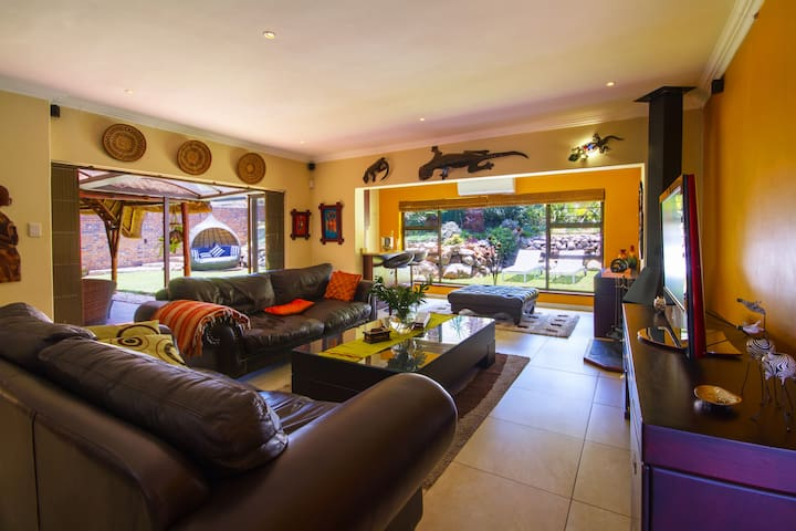 Superb Guesthouse in the heart of Sandton 1