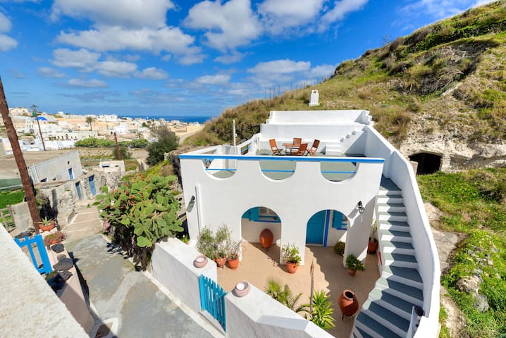 Santorini Traditional Cave House - Vothonas - Rumah