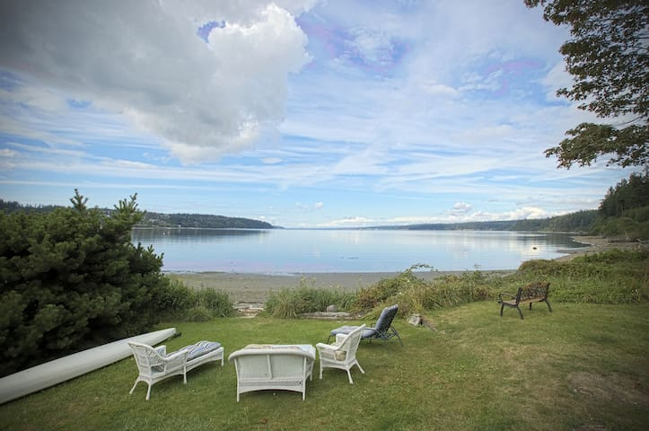 Whidbey Island beach house, quiet, kayaks