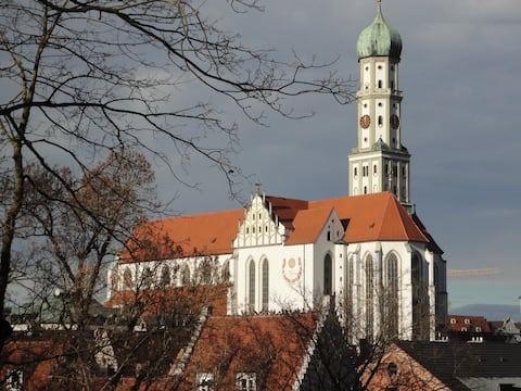 `The House below St. Ulrich´