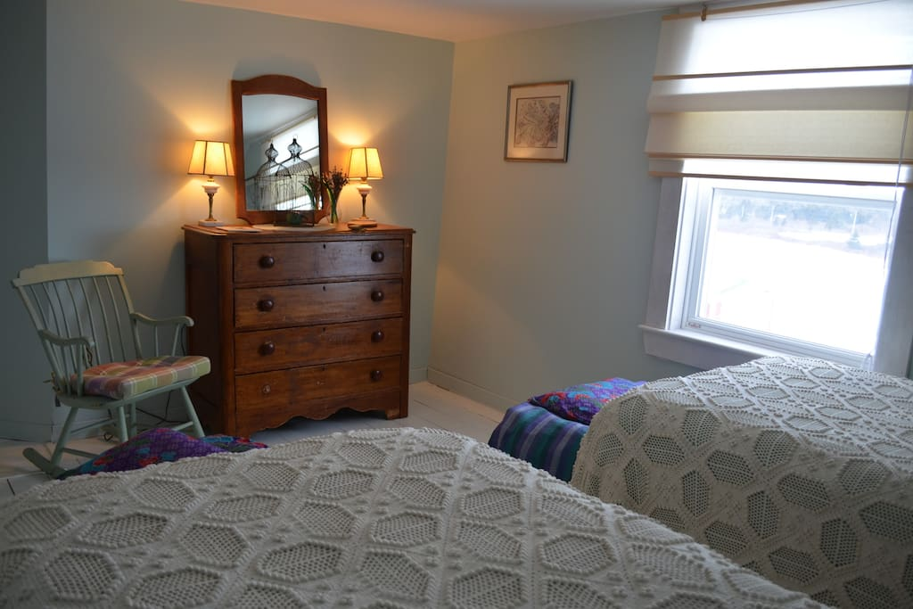 Green Lavender Bed Room (twin beds)
