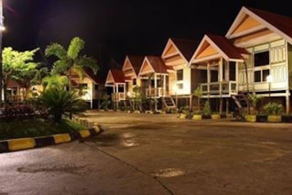 makassar cottage small village in t villen zur miete in makassar south sulawesi indonesien. Black Bedroom Furniture Sets. Home Design Ideas