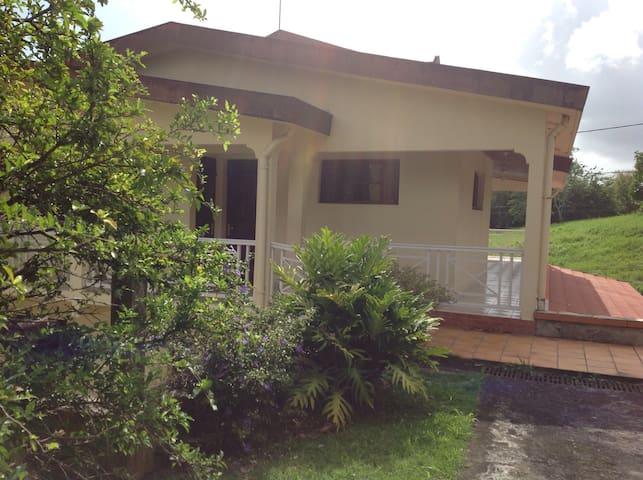 Belle villa pour la famille - Le Robert - Villa