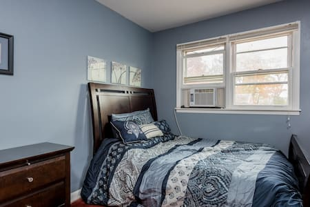 Master bedroom - Albany