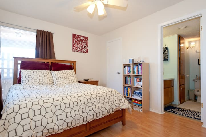 Bright & Cheery 1 Bed in S. Austin