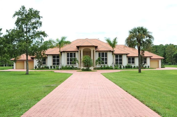 Private Estate Home, Sleeps up to 20, Pool & Spa! - Naples - Hus