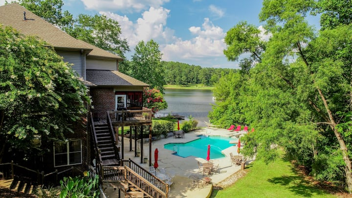 Bama Lakeside Retreat-Heated Swimming Pools & More