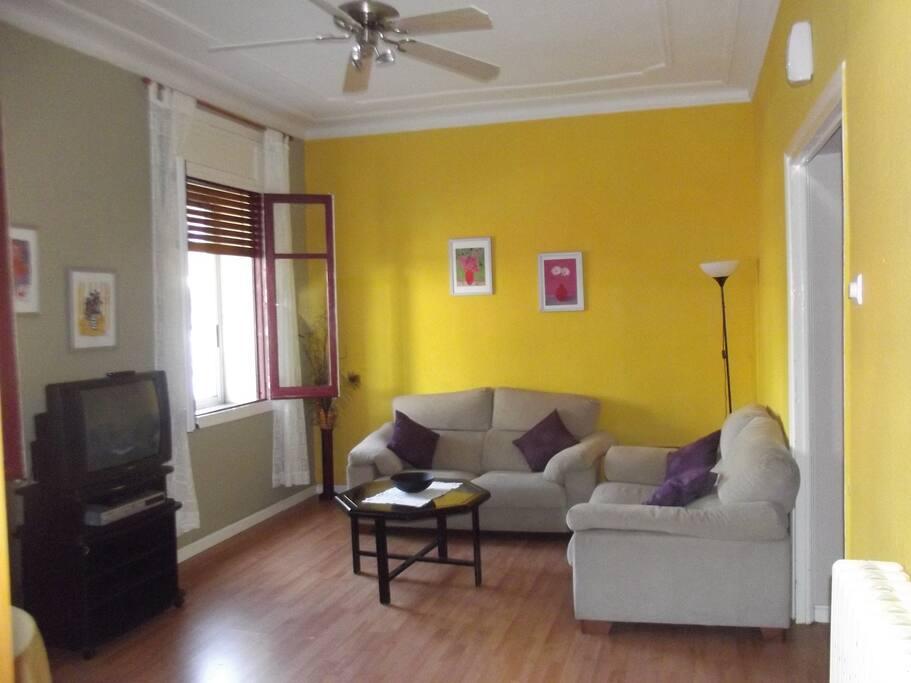 Apto piso c ntrico en jaca 6 9 pax apartamentos en for Pisos alquiler a guarda