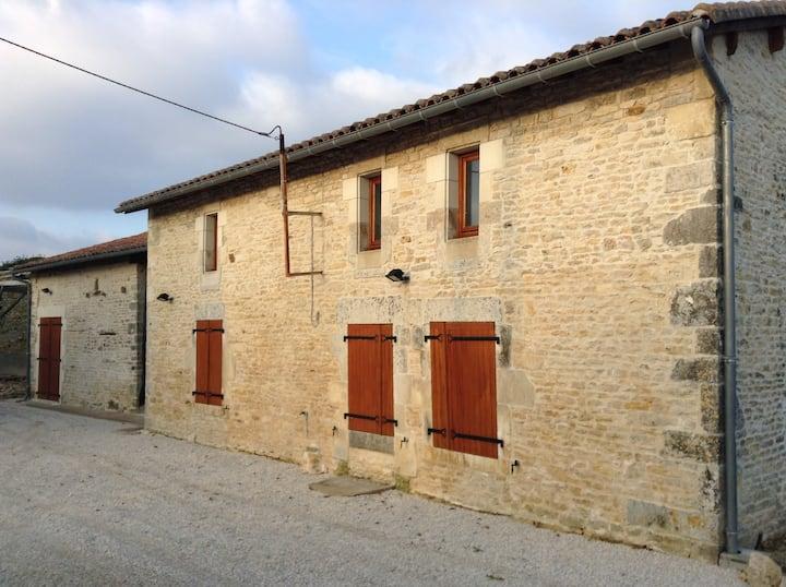 Splendid holiday home, Charente