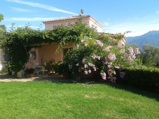 Chambre d'hôtes à Bastelicaccia - Bastelicaccia - Bed & Breakfast