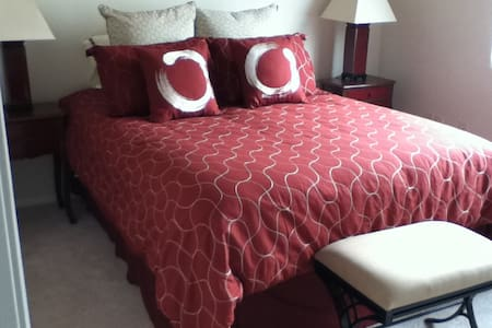 Serene room in Sedona artist's home