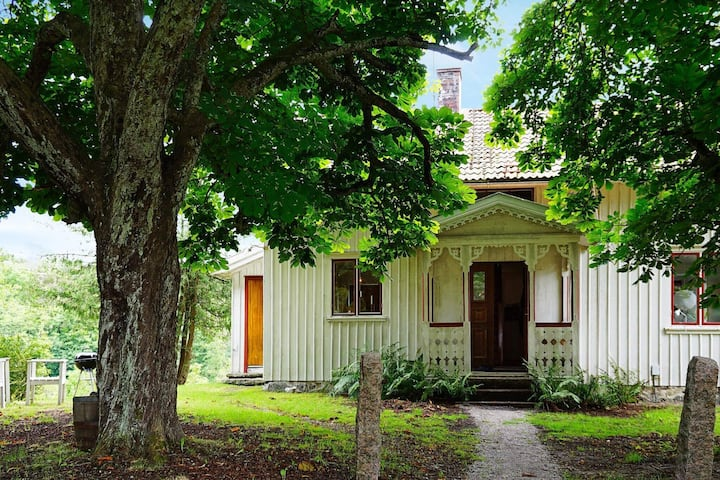 7 person holiday home in UDDEVALLA