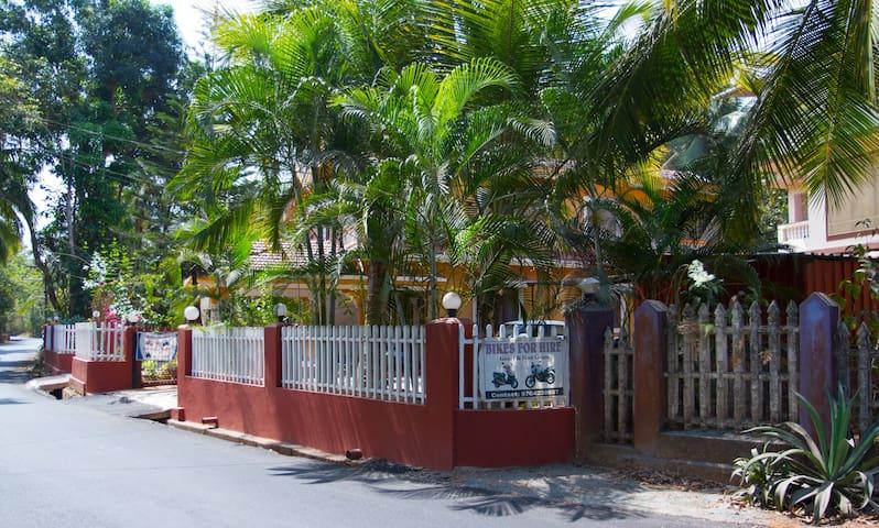 Casa Jumis (Tangerine) - 1BHK - Nr Varca Beach - Varca - Lejlighed