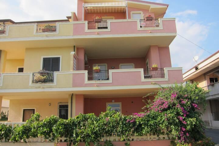 Lavish Sea View Apartment in Capo Rizzuto