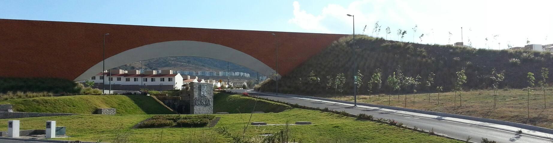 Casa zona de hospitales, TecMilenio y Club Golf - Morelia - House