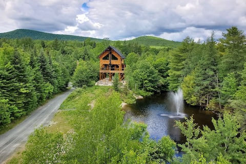 New Treehouse on 34 acres, Pond side, Mtn. views!