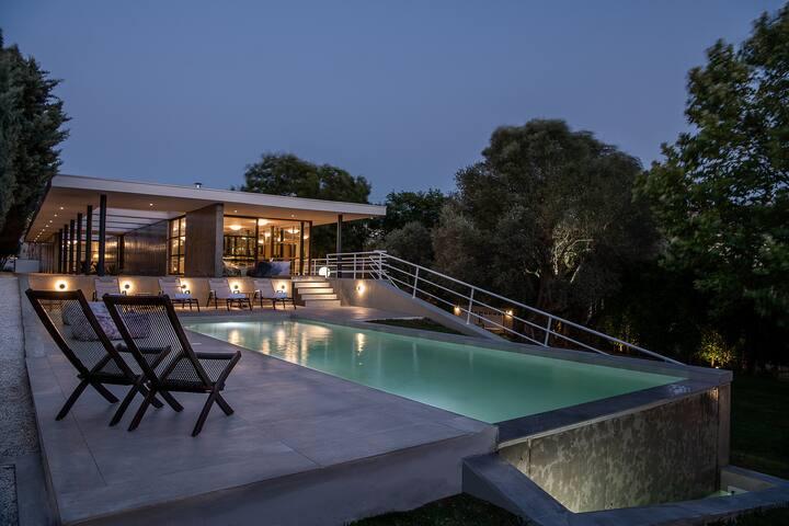 Villa 7 - Minimal Luxury Villa in Chania