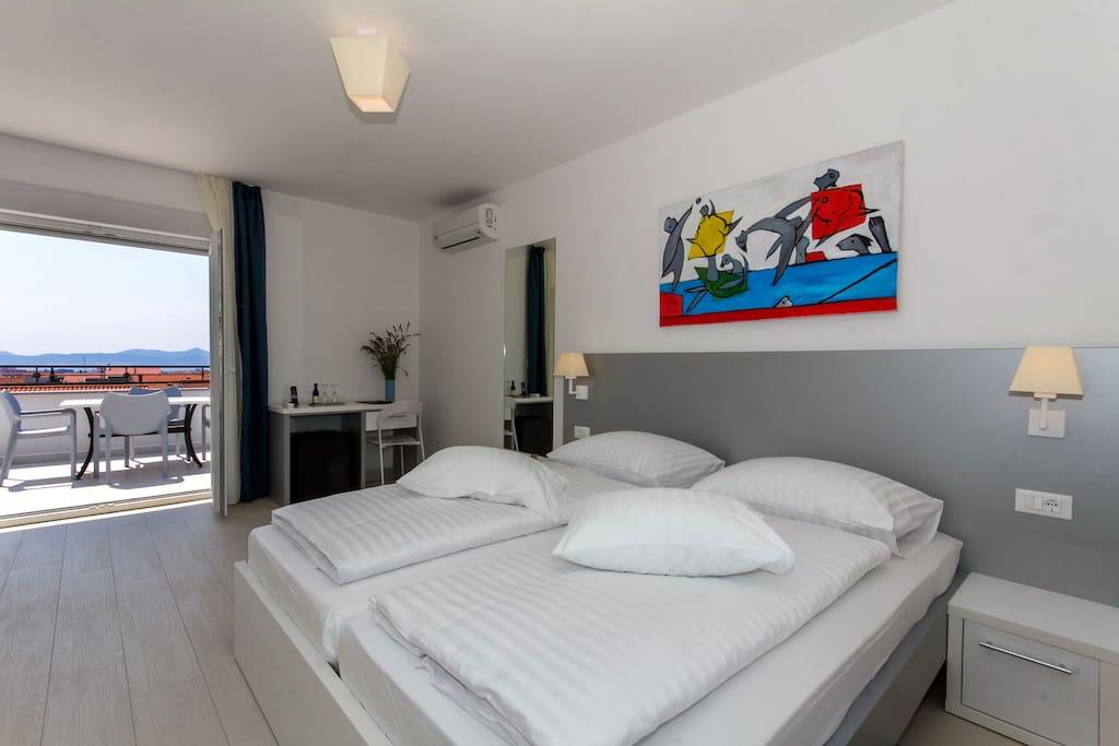 Villa liburnum superior room chambres d 39 h tes louer for Chambre hote zadar
