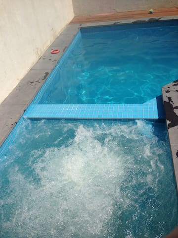 4 Bdm 2 Bthr With Pool Spa Houses For Rent In Richmond Victoria Australia