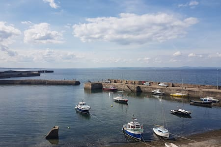 Stunning 2 Bedrm flat - Sea Views nr Edinburgh