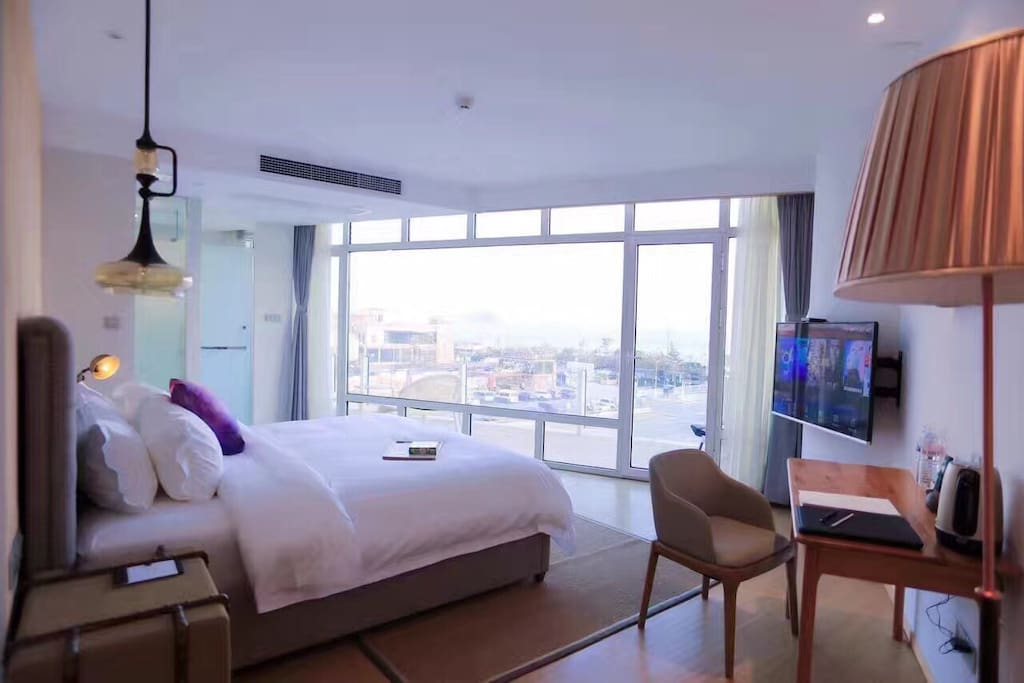 卧室,瞰山观海