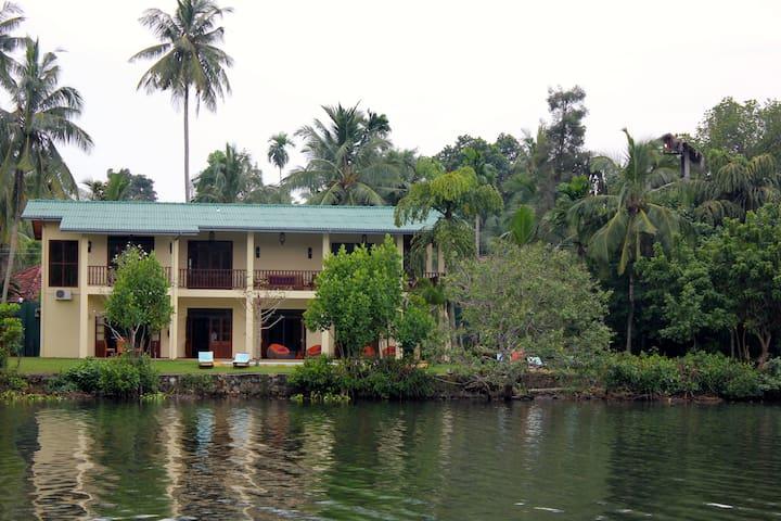 Villa Alexandra - Paradise on the Lake
