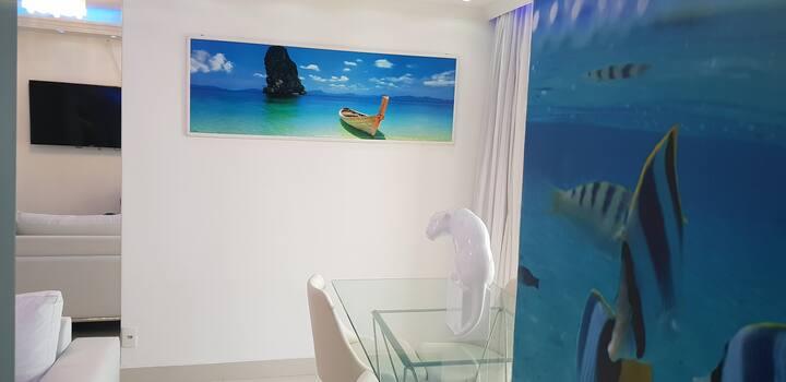 Lindo apto com fina decoração e muito conforto!