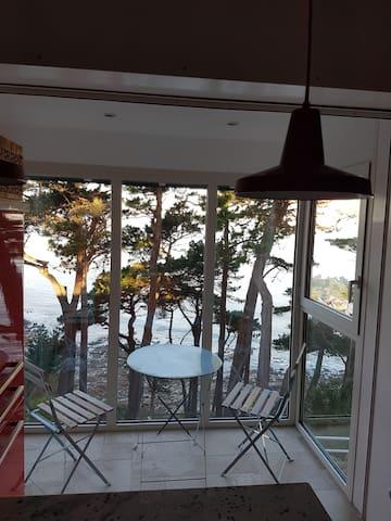 Maison surplombant la mer à Perros-Guirec