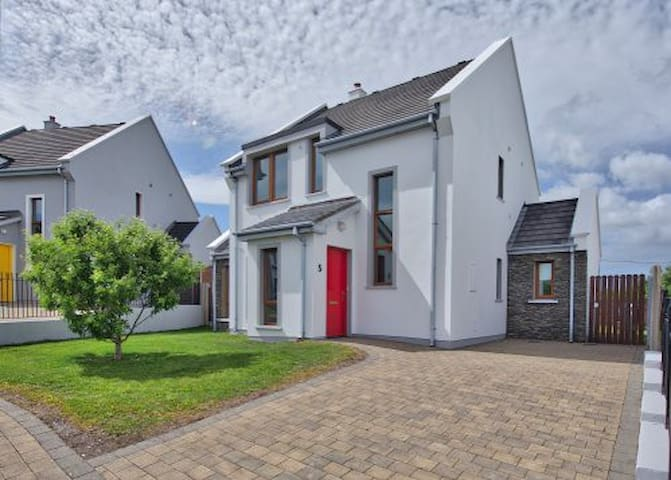 Lough Currane Homes 4 Bed - Waterville
