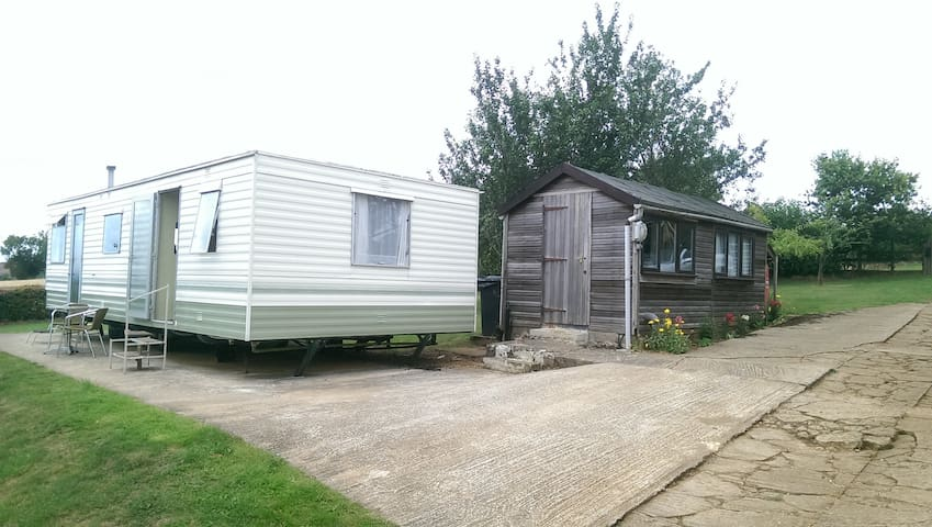 Caravan at College Barn Farm, Oxfordshire