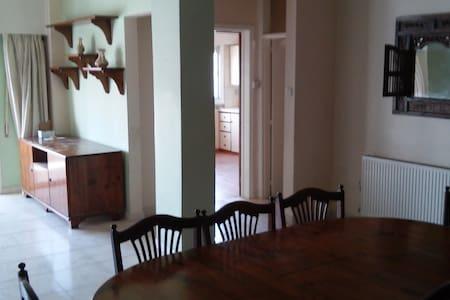 ενοικιάζεται οροφοδιαμέρισμα 120 τετραγωνικά -  stavros - Διαμέρισμα