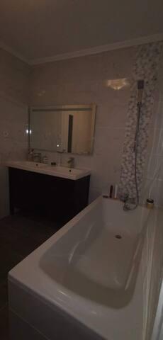 Loue charmant appartement 70m2 bien situé et calme