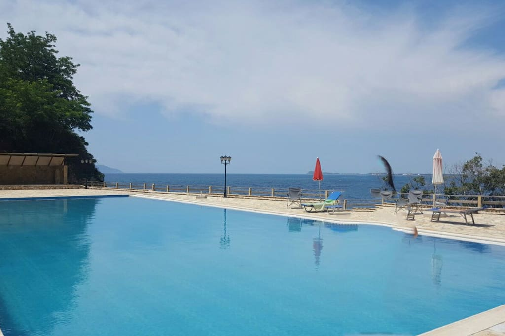 Pool of the resort , 24h avaiable