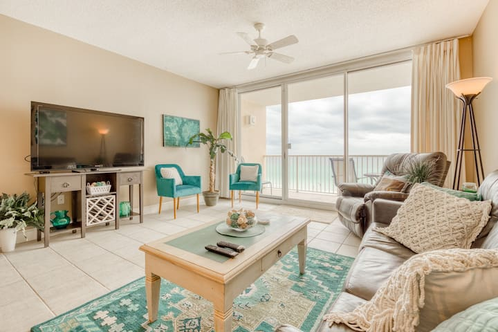 Marvelous and unique beachfront condo with shared pool, hot tub, & beach access