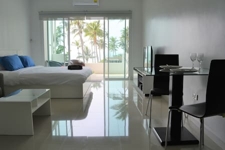 Coconut Bay Club Suite 302 - Ko Lanta Yai