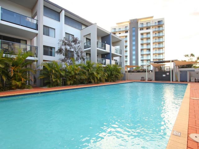 Fully Equipped, Riverside SECURE 3 bed Apartment - Perth - Apartment