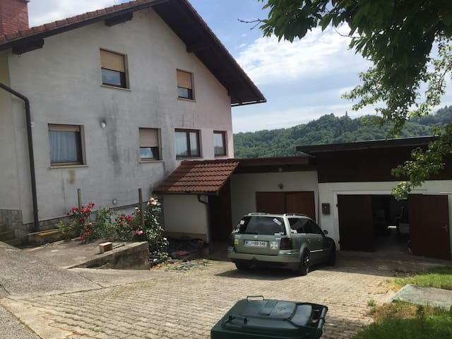 I rent a house only for few days - Škovec - Casa